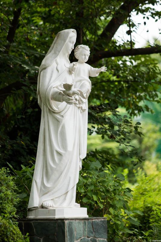 横浜山下教会のマリア像
