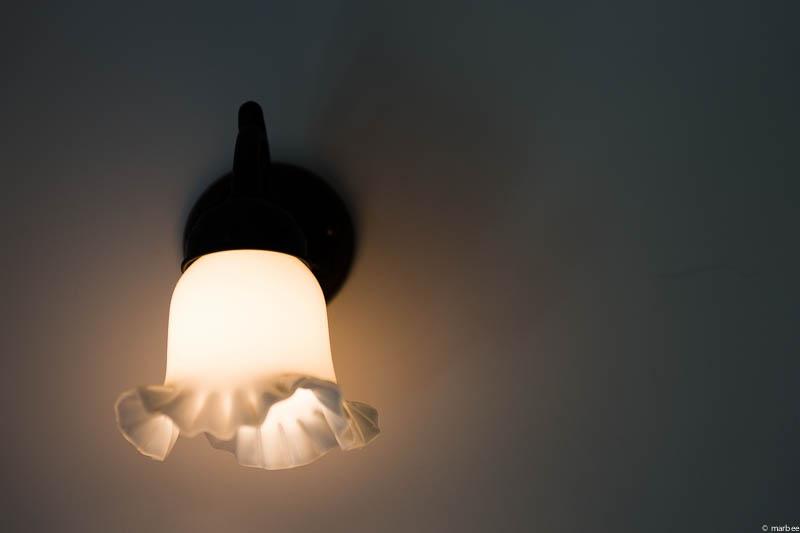 ブラフ18番館電灯