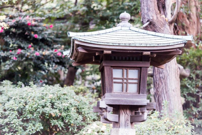 根津神社 灯籠
