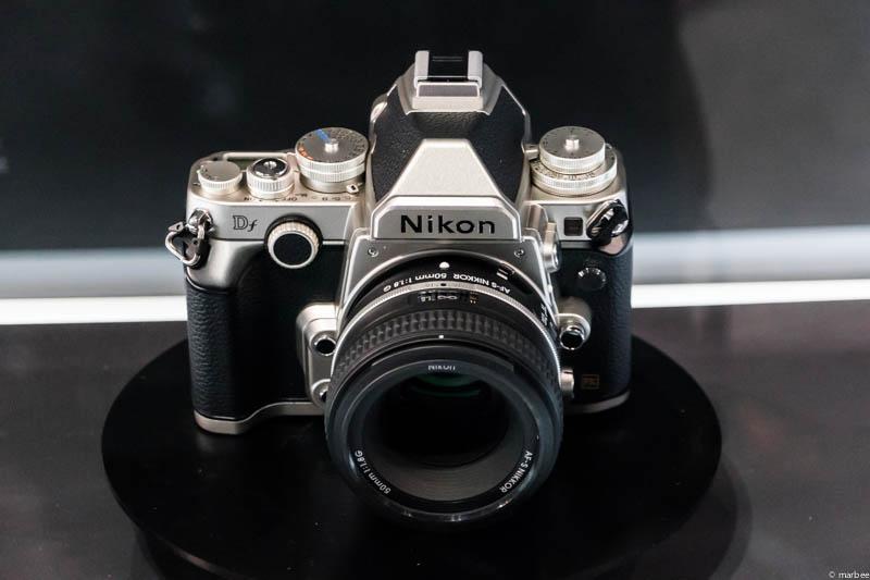 Nikon DF 正面