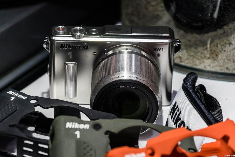 Nikon1 AW1 正面