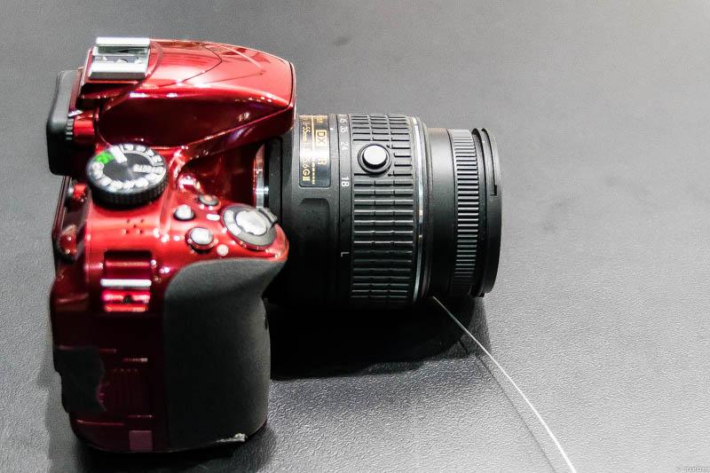 Nikon D3300 側面
