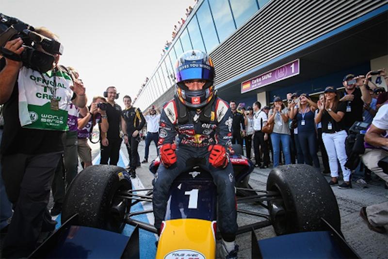 カルロス・サインツJr. フォーミュラ・ルノー3.5のチャンピオンを獲得