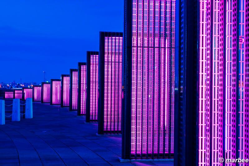 横浜のマジックアワー 太陽光オブジェクト