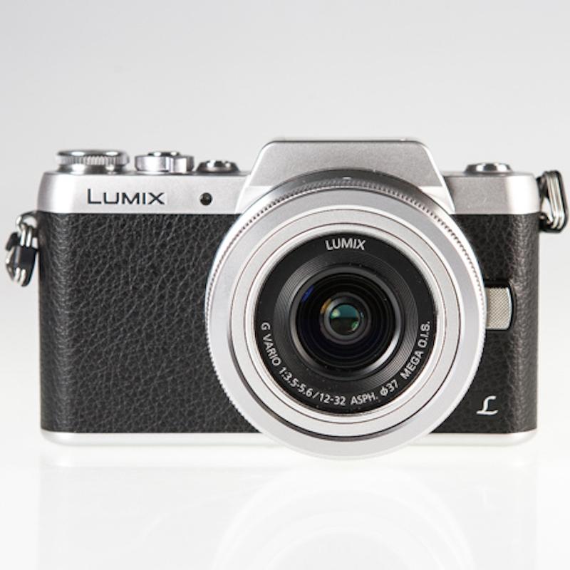Panasonic Lumix GF7 正面