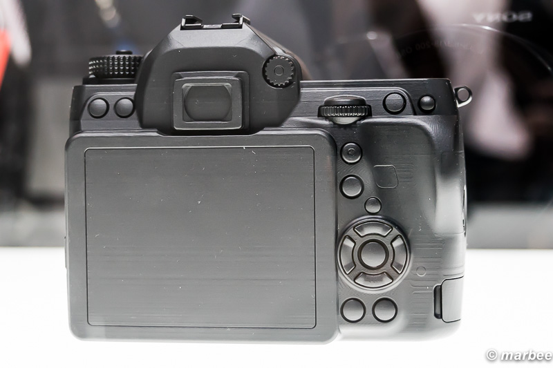 Kマウント フルサイズデジタル一眼レフカメラ モック 背面