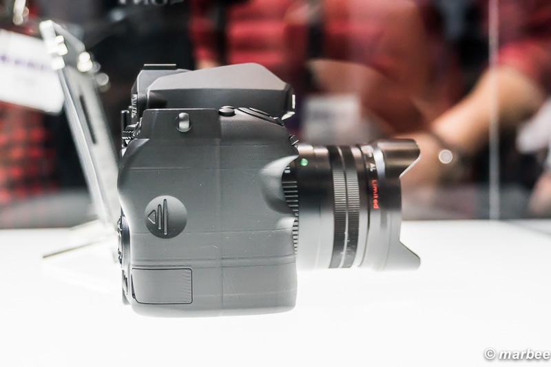 Kマウント フルサイズデジタル一眼レフカメラ モック 右側面