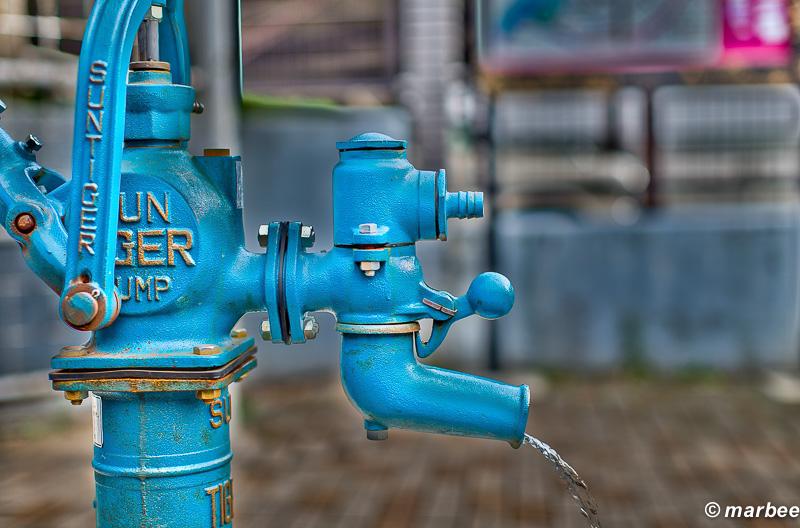 井戸のポンプ HDR合成 イジり過ぎ