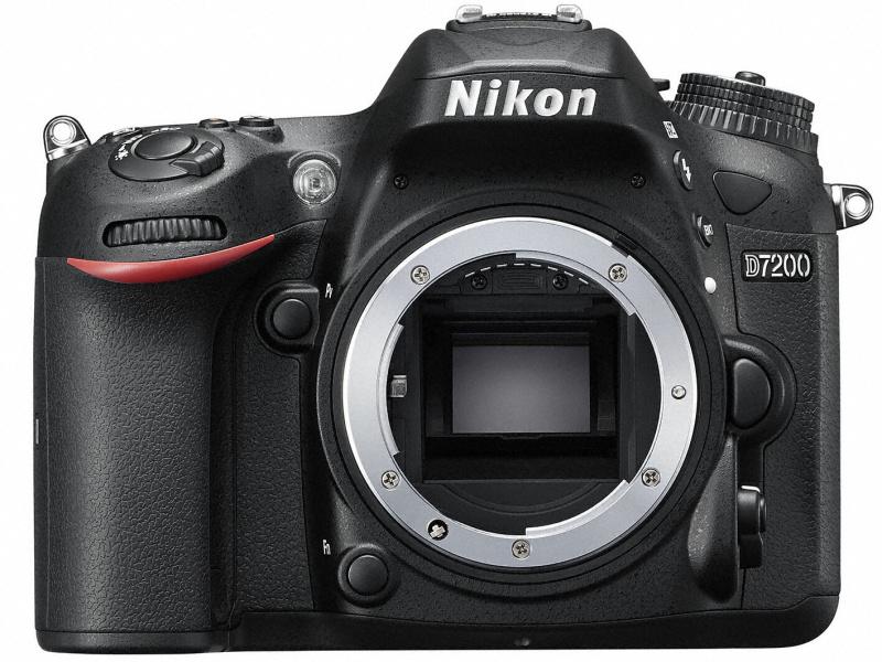 Nikon D7200 正面