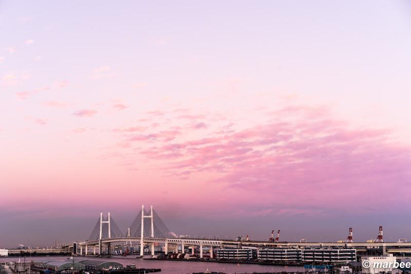 写真 夕焼けに染まるベイブリッジ 2015