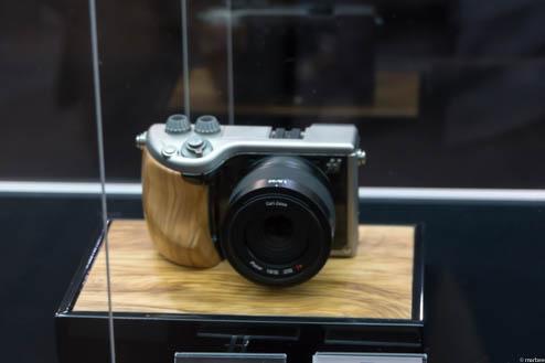 HasselbladEマウントコンセプト機ZeissPlanar32mmF1.8付き