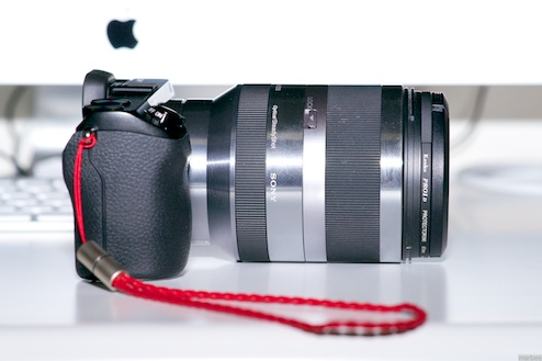 NEX-7+E18-200mm(側面)